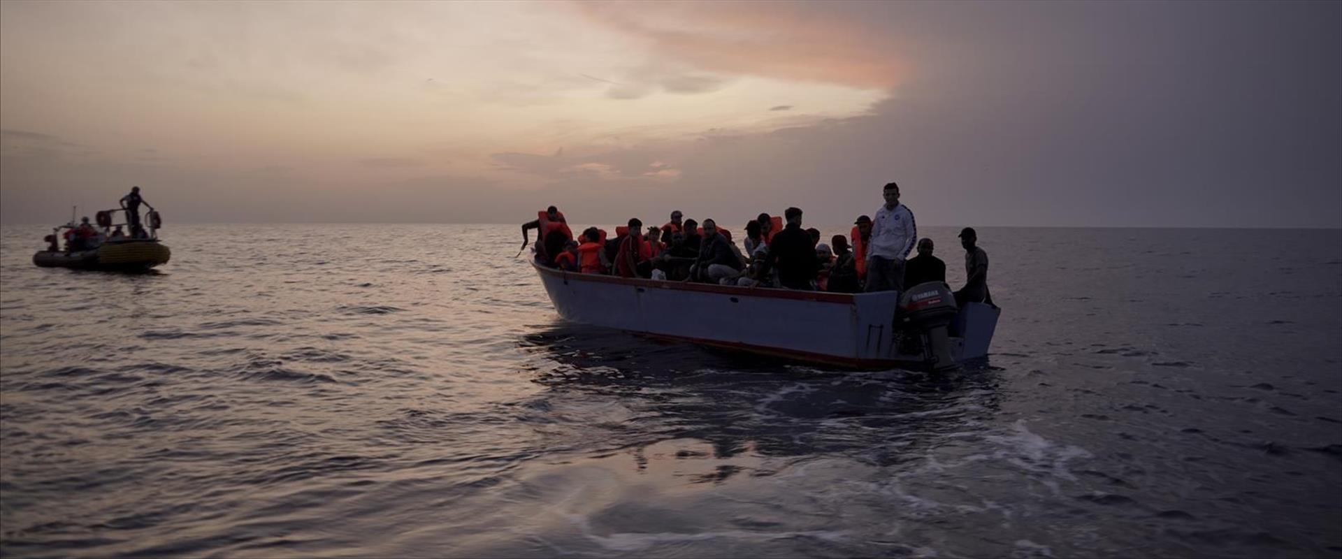 מהגרים מאפריקה בדרכם לאירופה