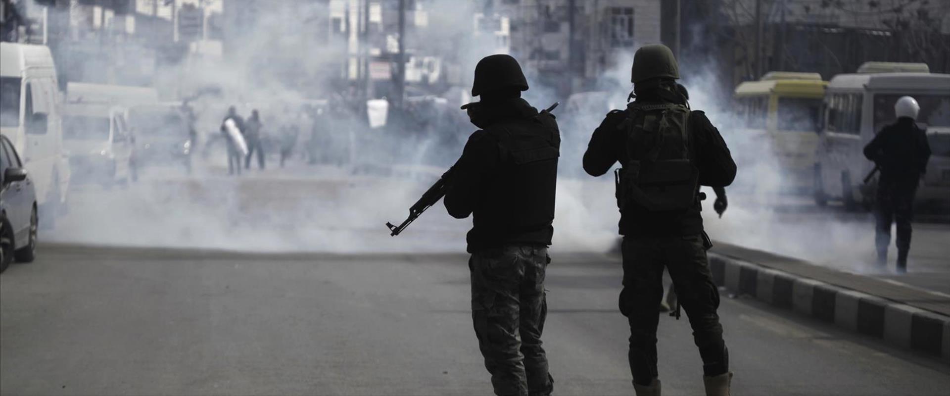 שוטרים פלסטינים בחברון