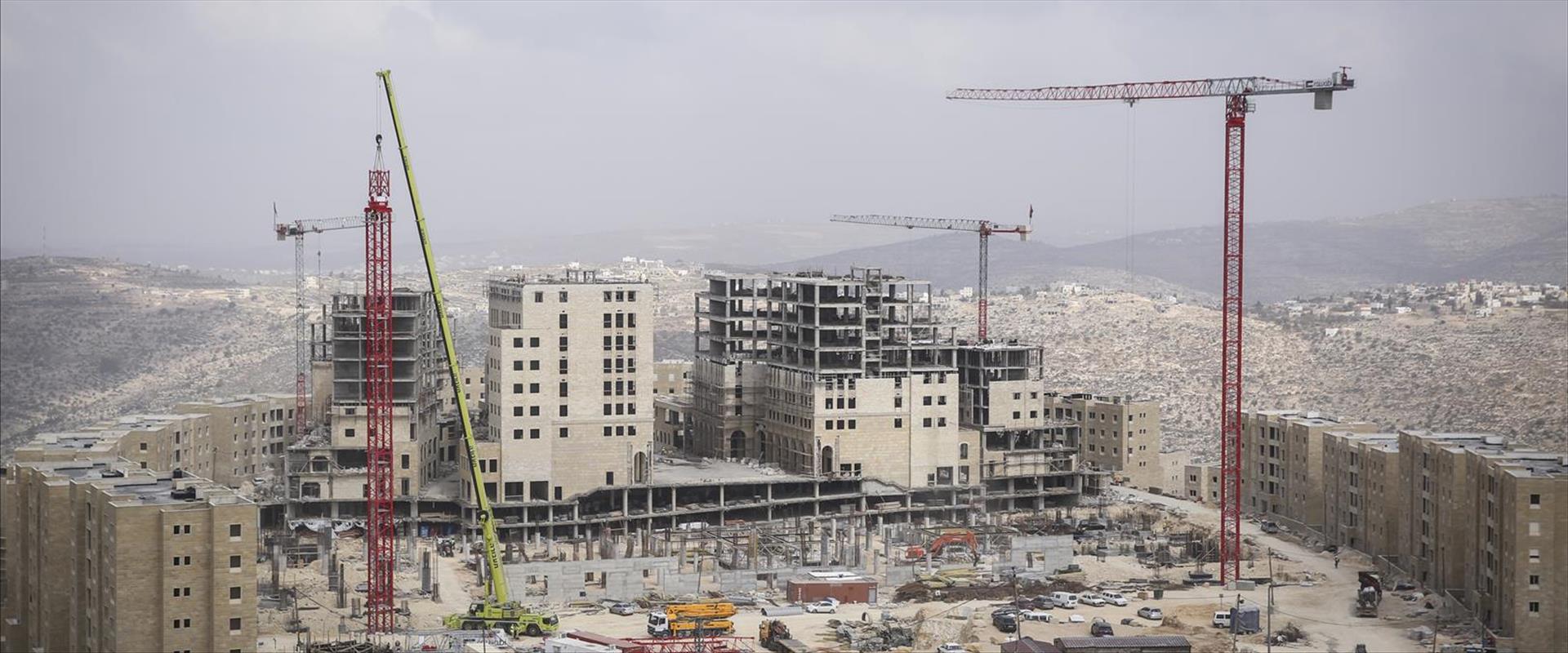 """בנייה פלסטינית ביו""""ש"""