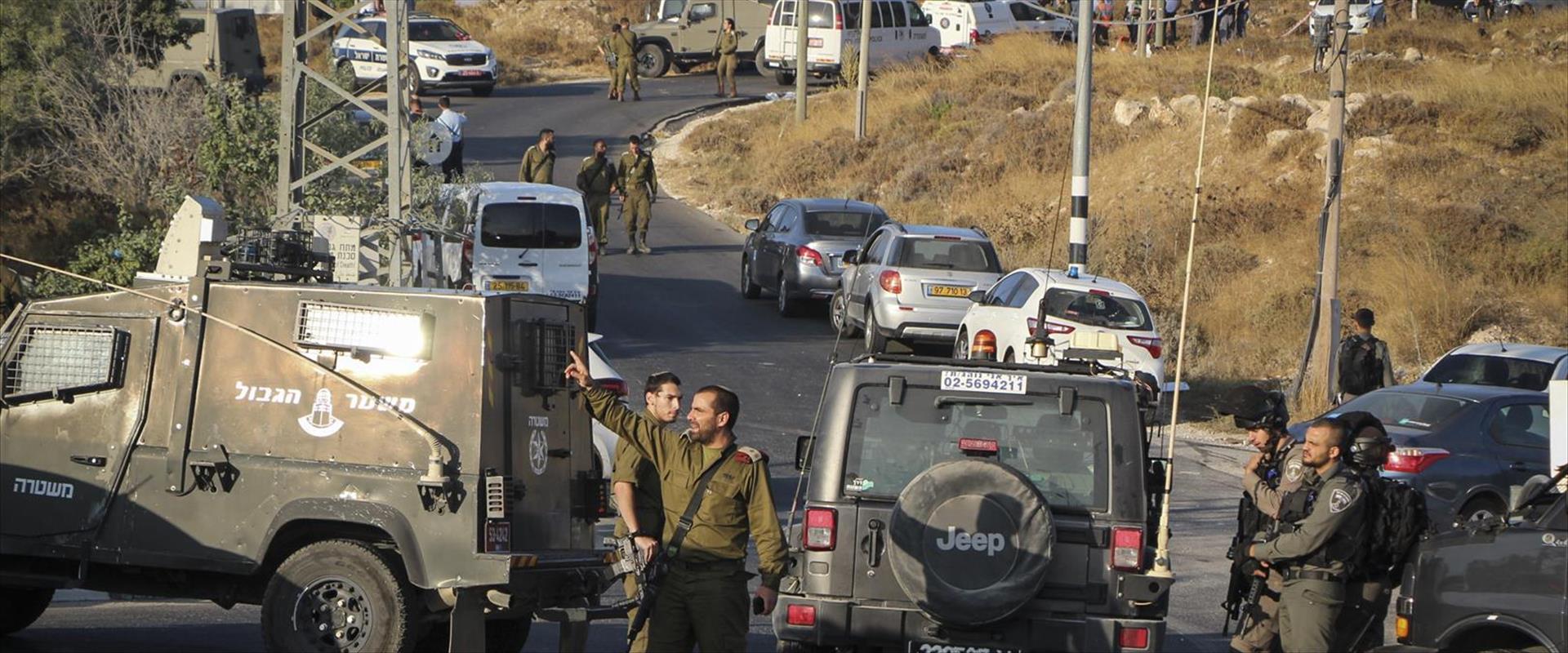 """כוחות צה""""ל במקום הפיגוע בגוש עציון, הבוקר"""