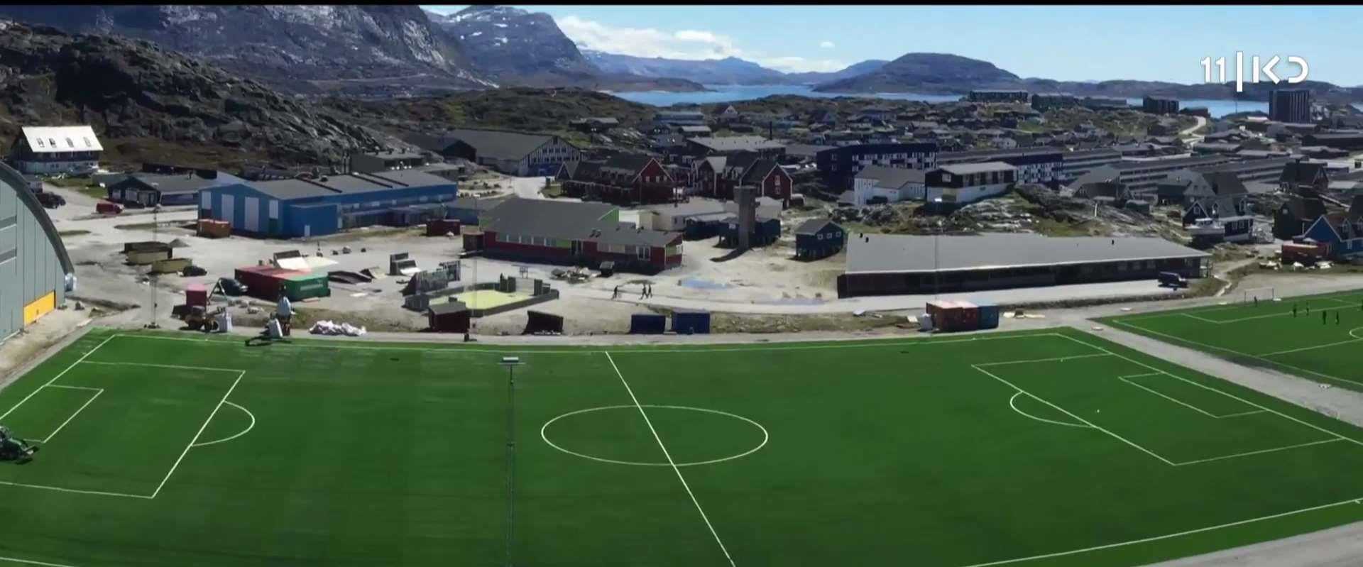 מגרש הכדורגל בבירת גרינלנד