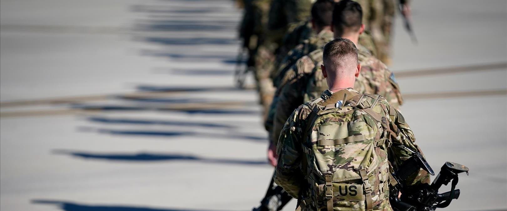 חיילים אמריקניים בדרך לעיראק