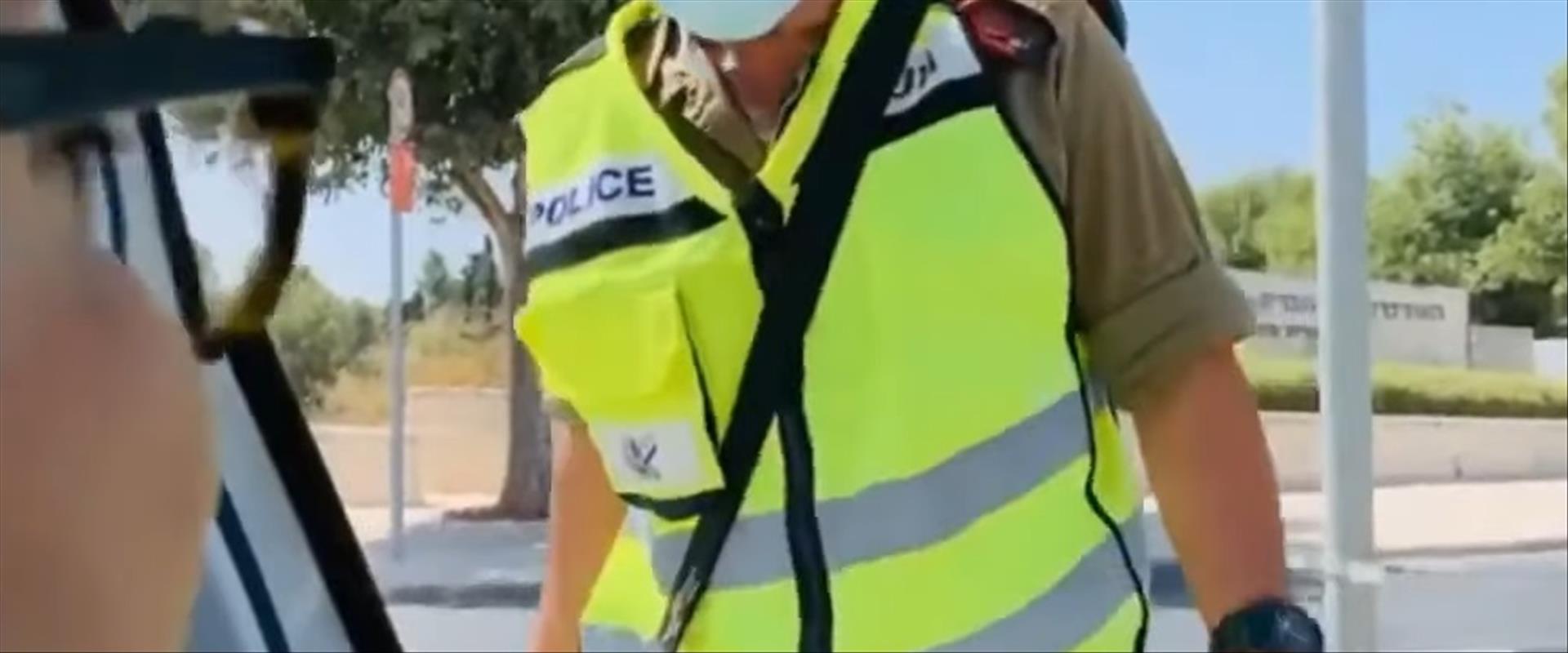 שתי הנשים שהתעמתו עם חייל ושוטרת במחסום בי-ם