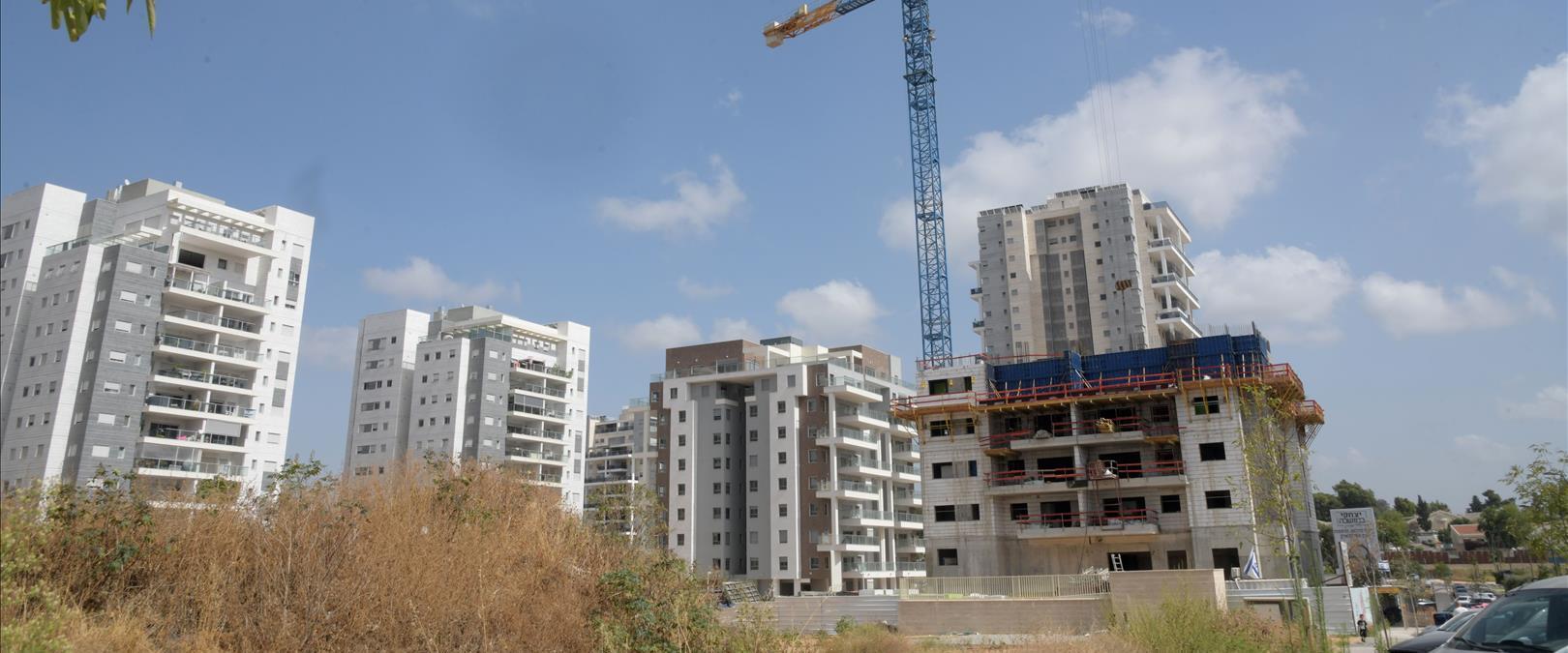 אתר בנייה בבאר יעקב