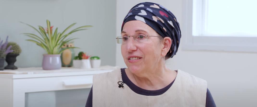 סוזן לוין - כאן מקשיבים