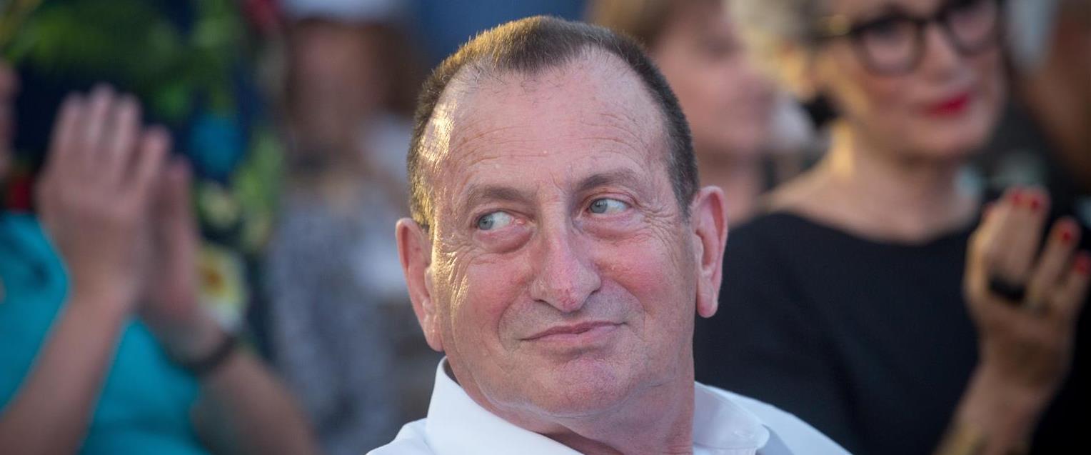 רון חולדאי, ארכיון