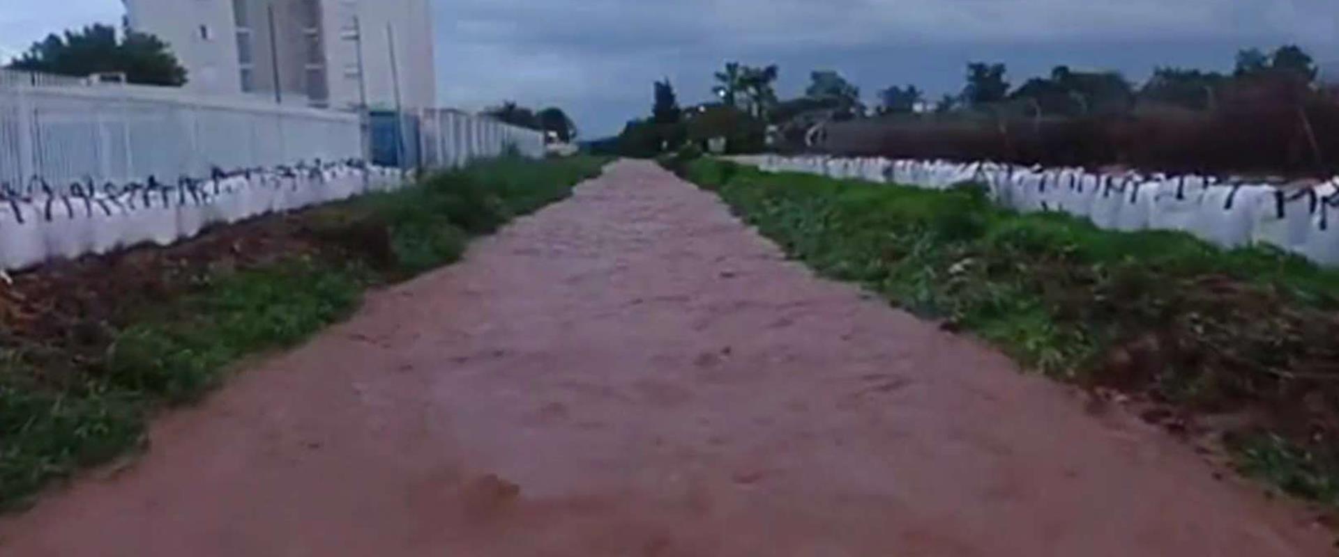 """""""כל גשם זה אותו דבר"""": המחדל המתמשך של הצפות הגשמים"""