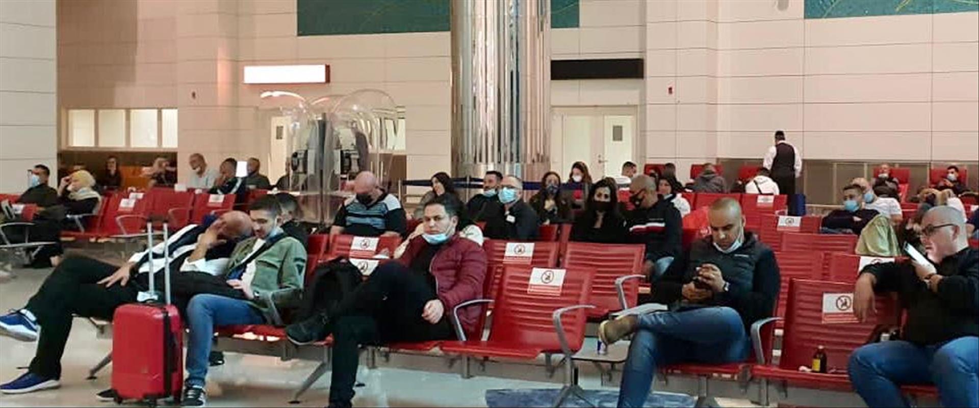 ישראלים מעוכבים בשדה התעופה בדובאי לפני חודש