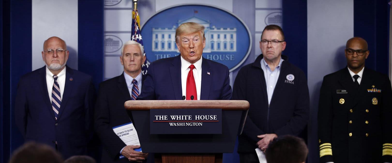 טראמפ במסיבת העיתונאים בבית הלבן, הלילה