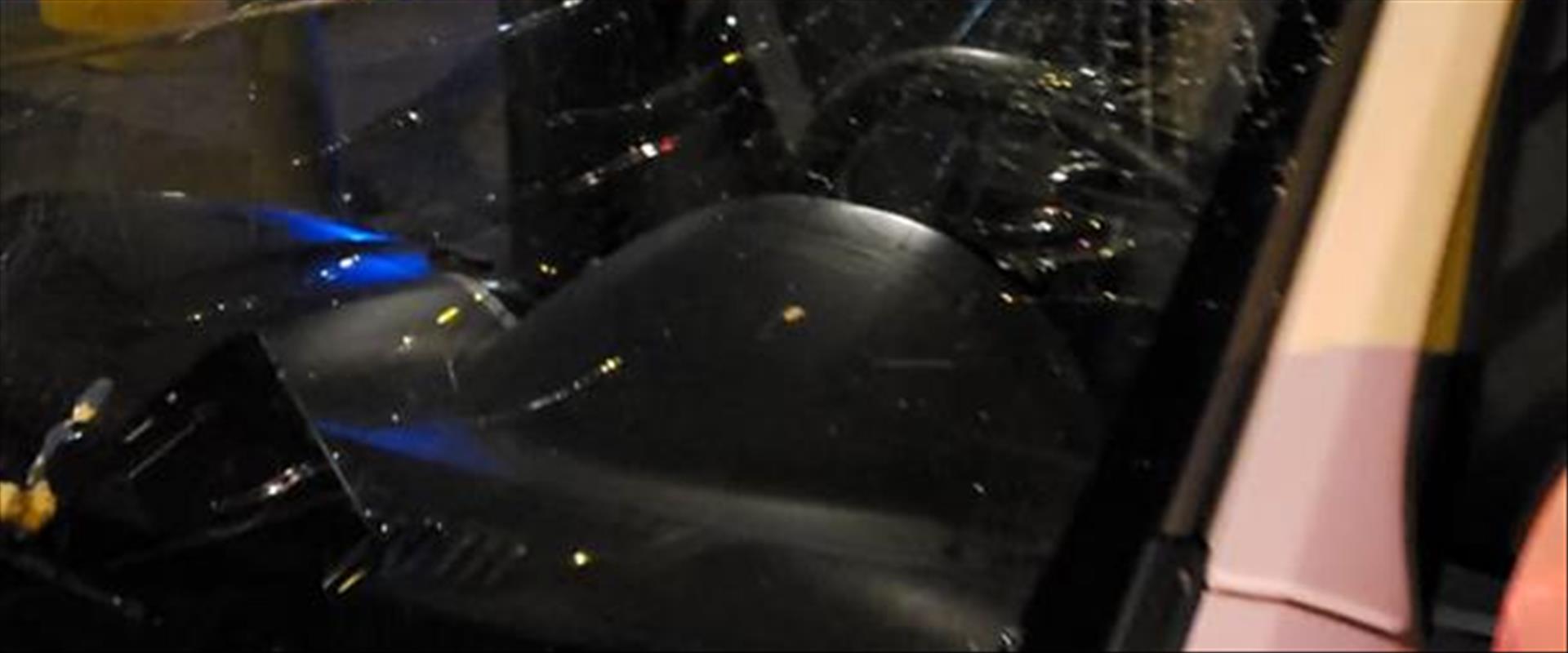 רכב שהוביל דגימות קורונה הותקף במאה שערים 04.04.20