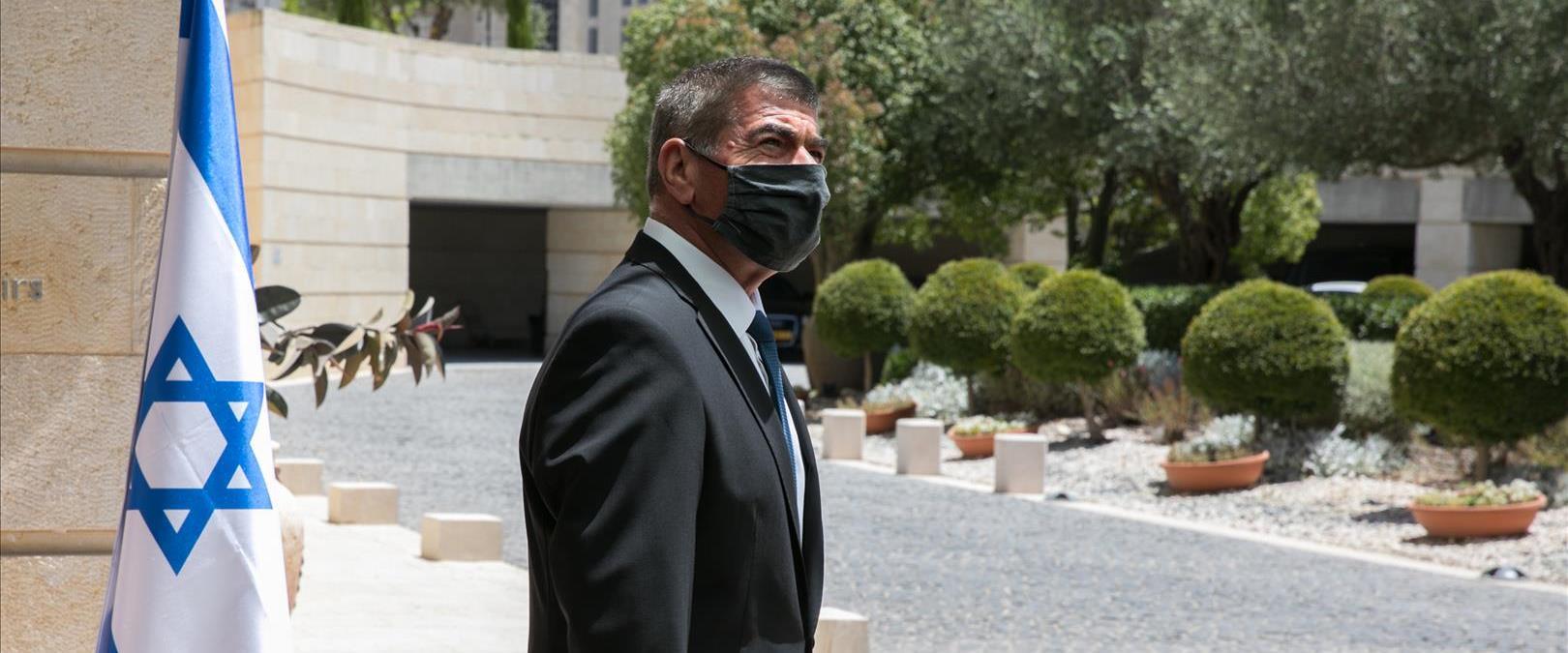 שר החוץ גבי אשכנזי, ארכיון