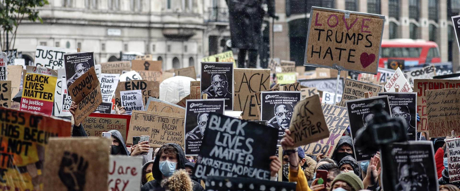 הפגנת בלונדון בעקבות מותו של ג'ורג' פלויד