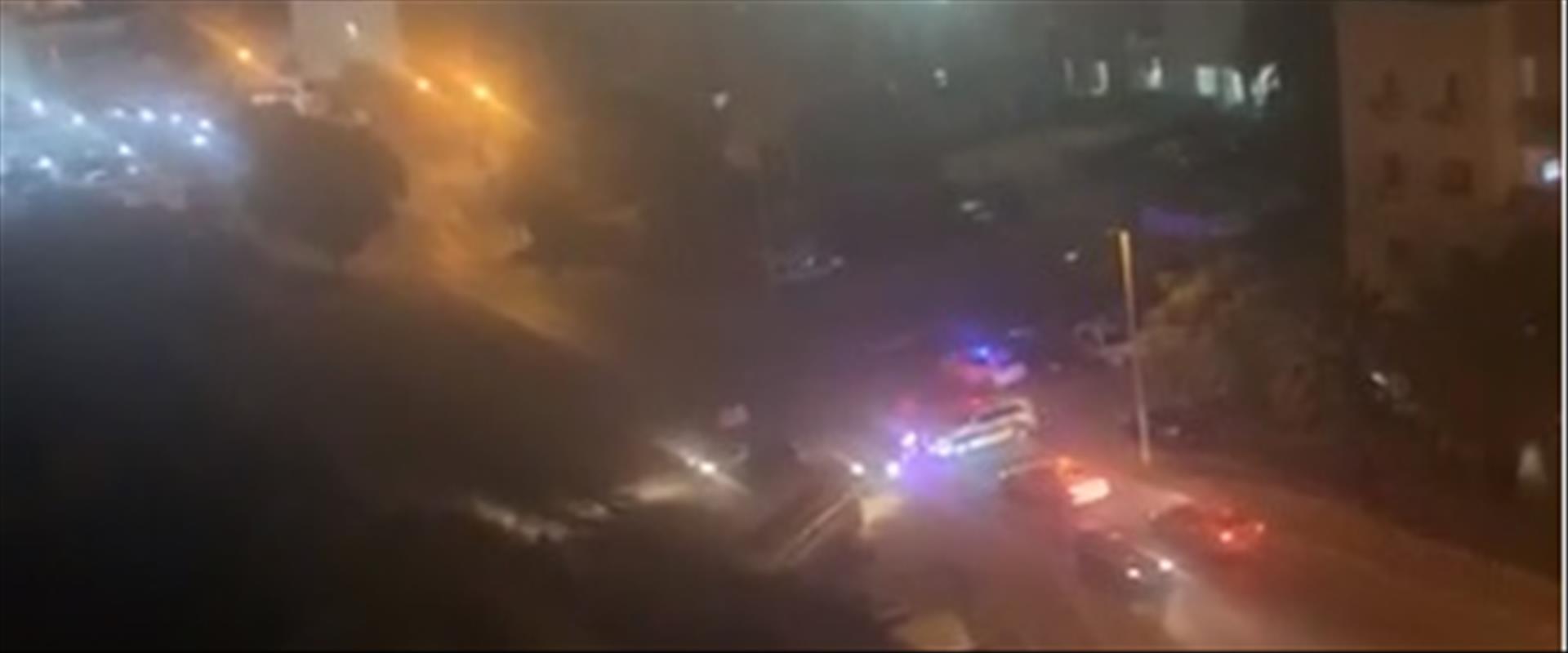 ניידות משטרה בג'ואריש, הערב