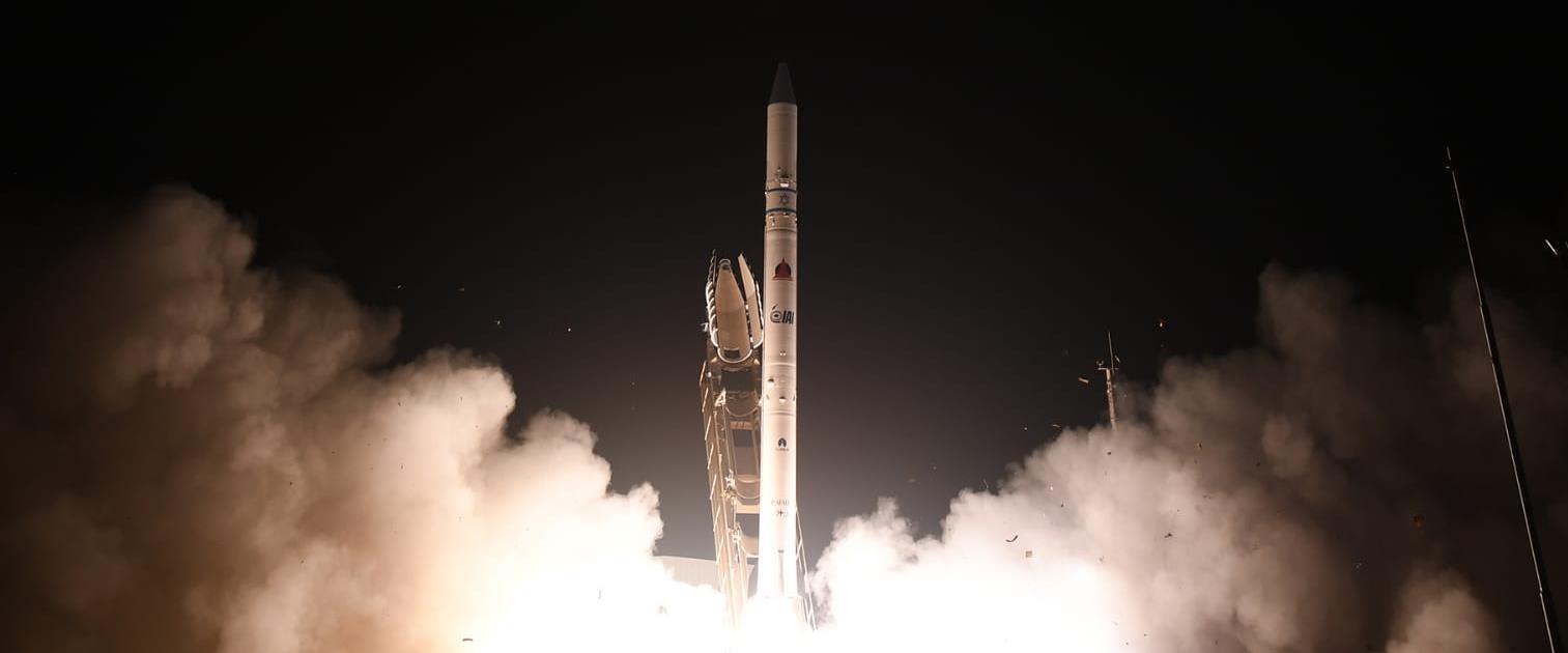 שיגור לוויין הריגול אופק 16, לפנות בוקר