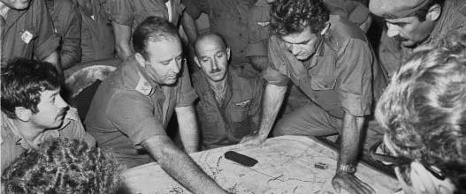 """מלחמת יום הכיפורים: הרמטכ""""ל בהתייעצות בפיקוד הצפון"""