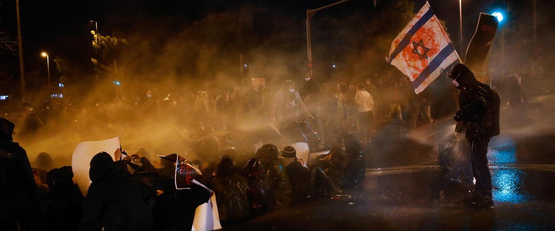 המחאה על מותו של סנדק, אתמול