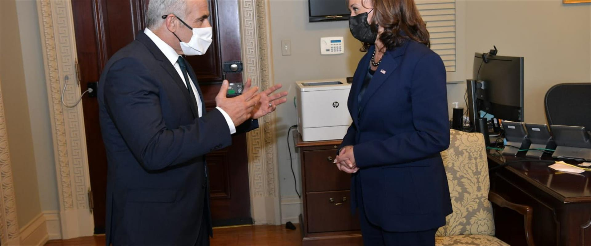 """שר החוץ לפיד בפגישה עם סגנית נשיא ארה""""ב האריס, הלי"""