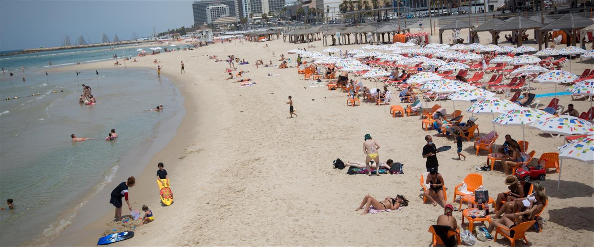 חוף ים, תל אביב, חום, שרב