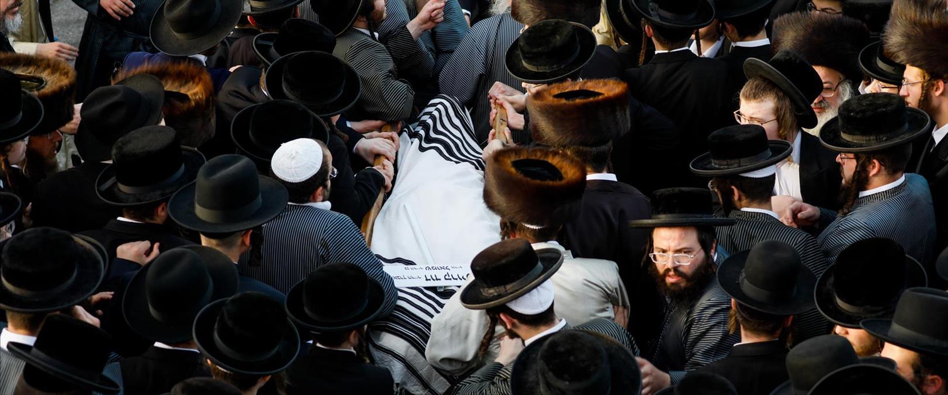 הלוויה המונית לאחד ההרוגים באסון במירון