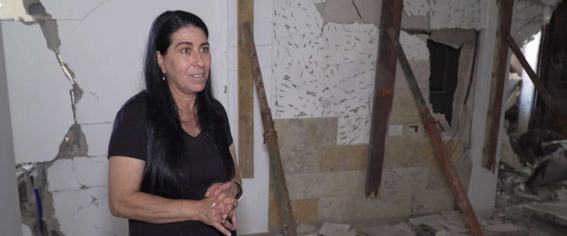 """משפחות שרכושם ניזוק ב""""שומר החומות"""" נאבקות בבירוקרט"""