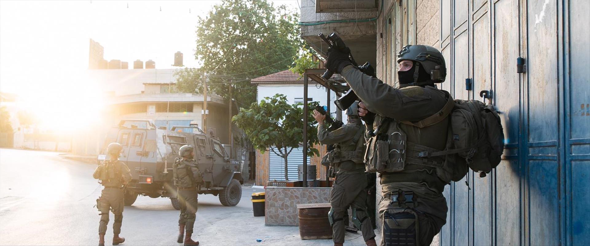 """פעילות צה""""ל למעצר חשודים במעורבות בפיגוע בצומת תפו"""