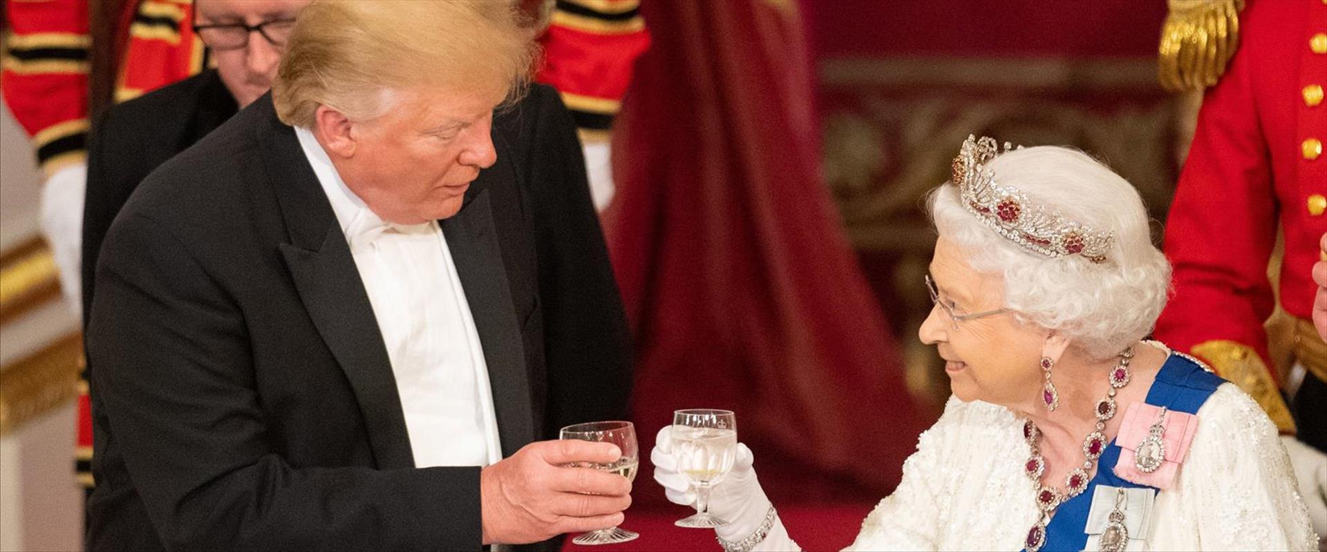 המלכה אליזבת והנשיא לשעבר טראמפ, ארכיון