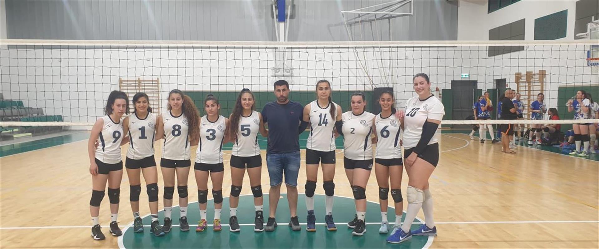 فتيات النادي الرياضي عيلبون