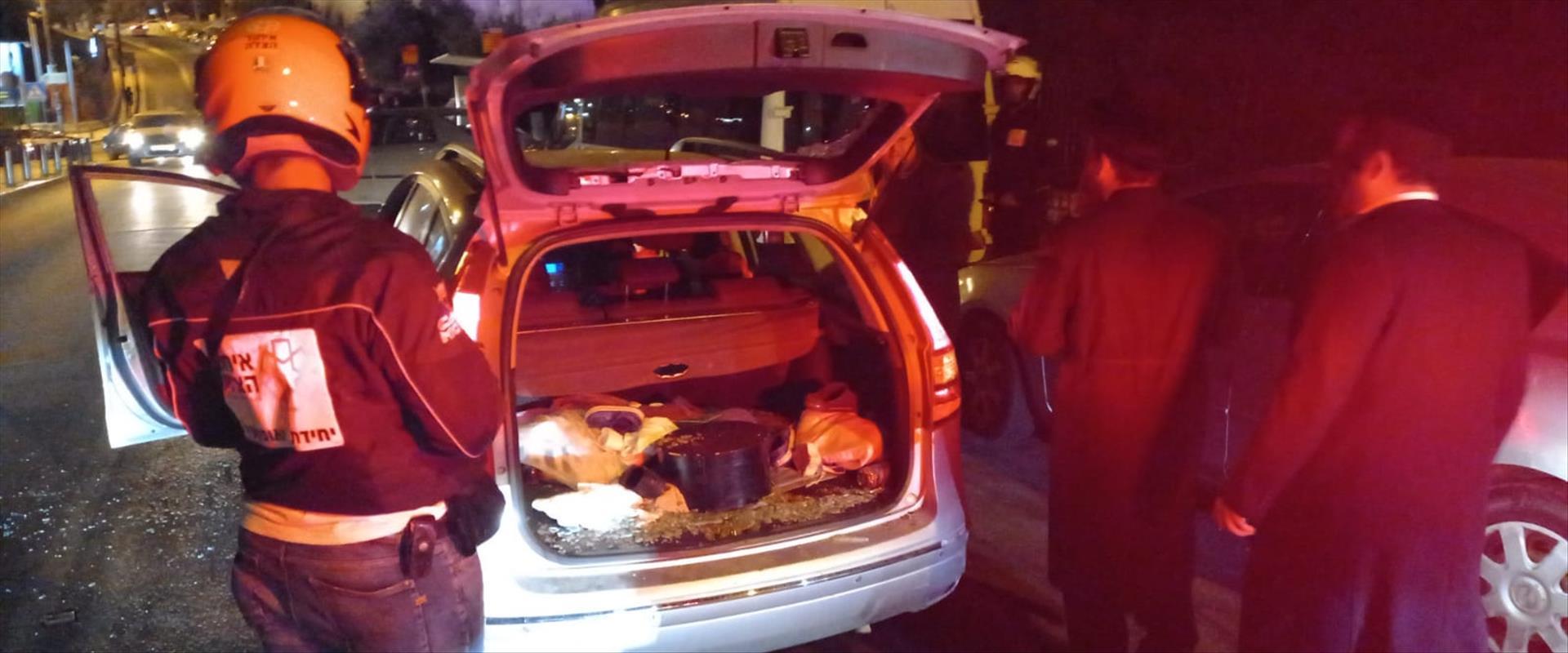 רכב שנפגע מאבנים סמוך לשער שכם