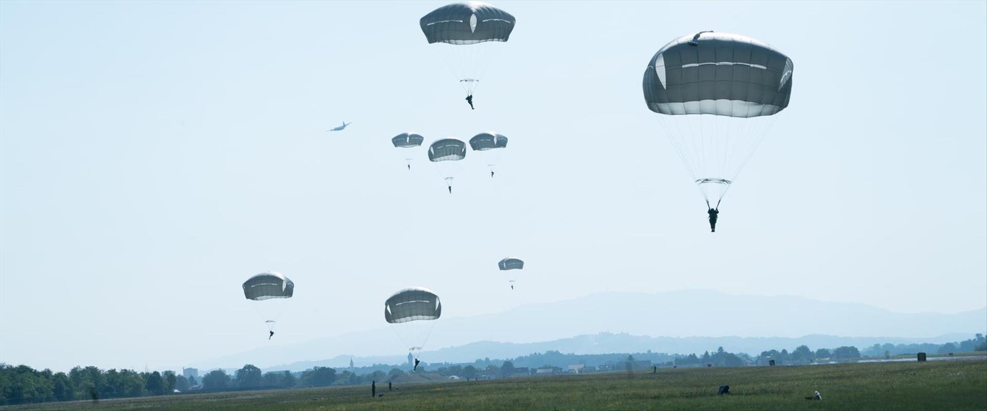 מבצע הצניחה בסלובניה, הבוקר