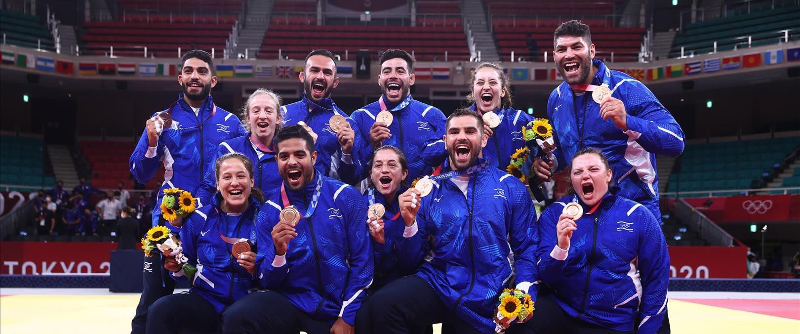 נבחרת ישראל לאחר הענקת המדליה, היום