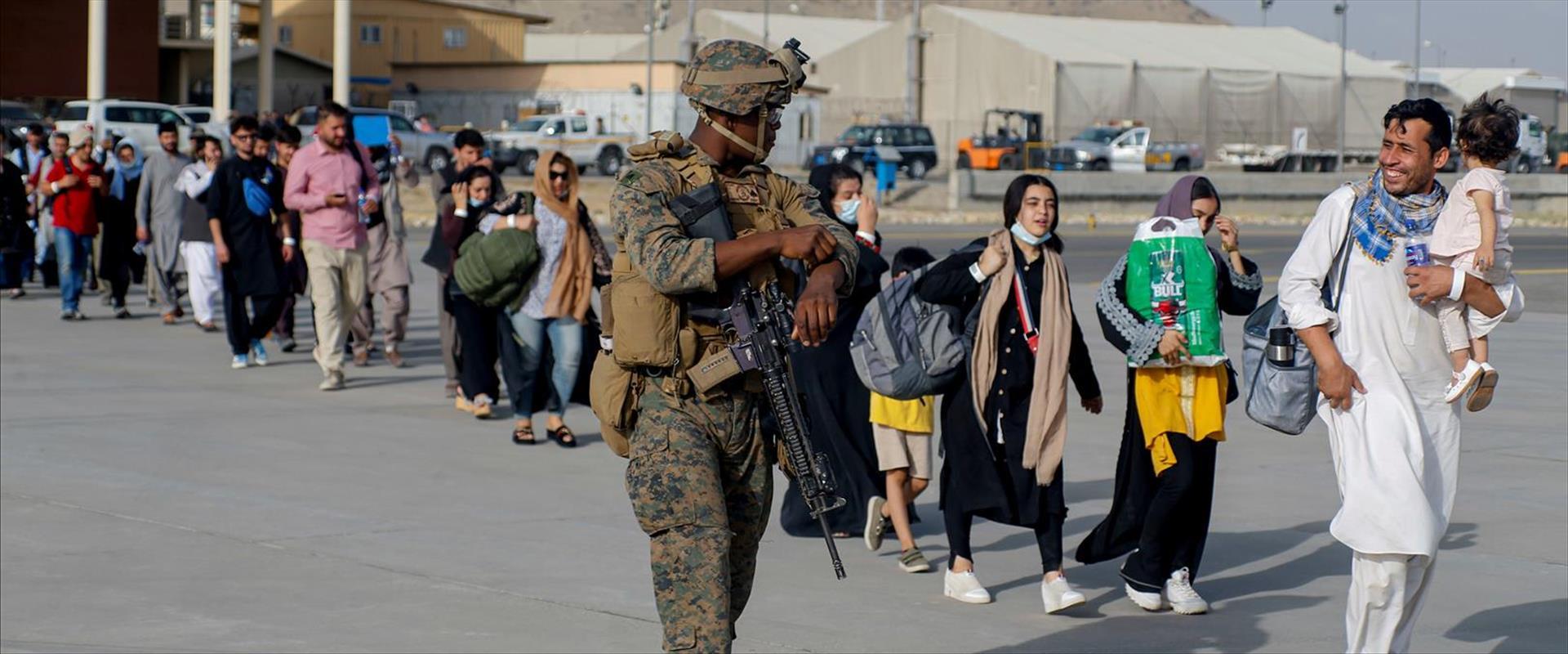 פליטים בשדה התעופה בקאבול, השבוע
