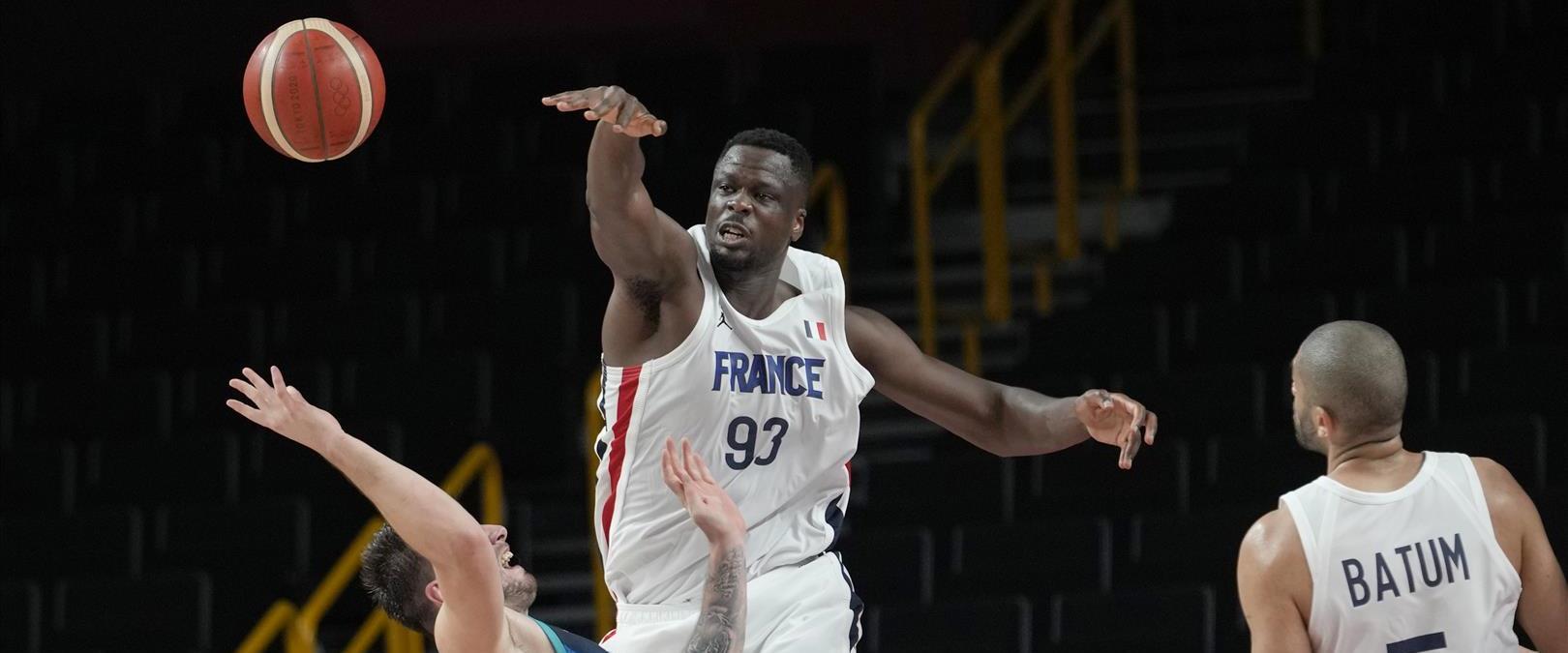 צרפת נגד סלובניה בגמר הכדורסל בטוקיו 2020
