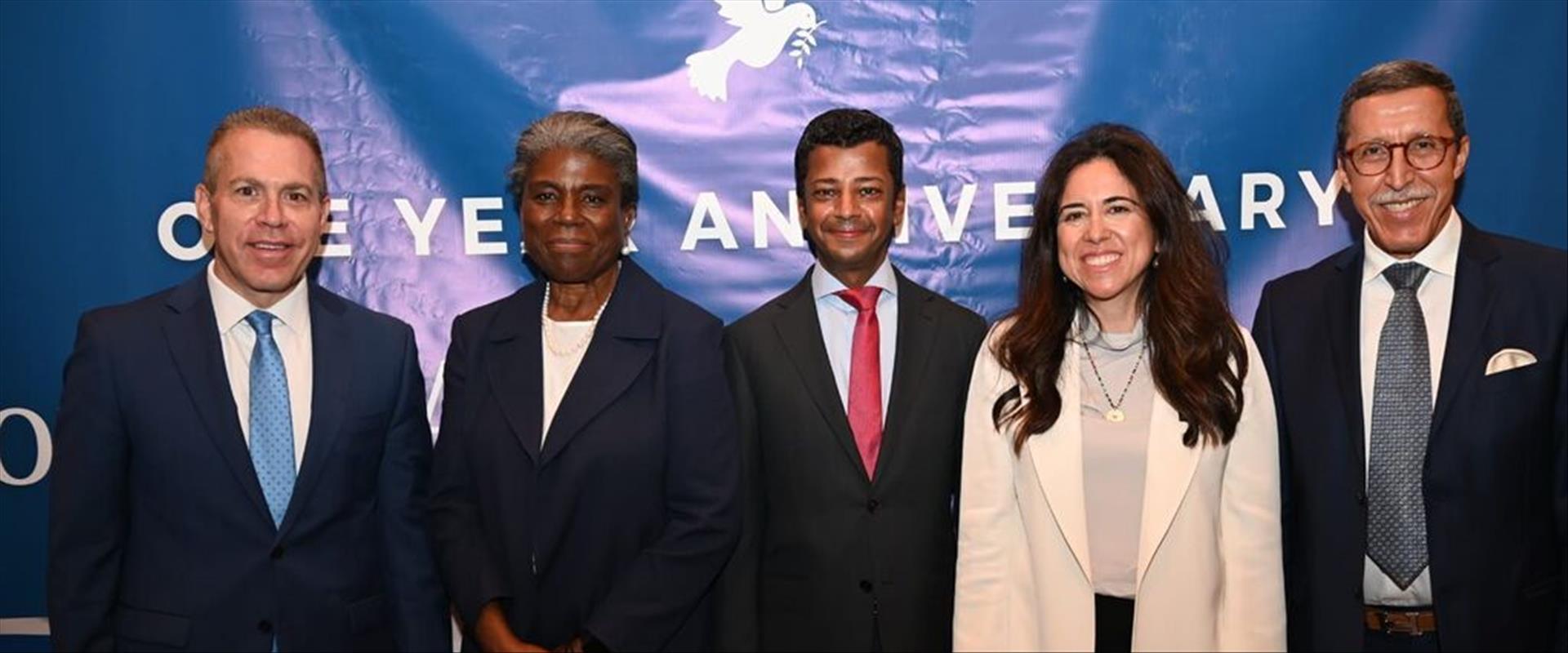 السفير اردان مع سفيري البحرين والامارات