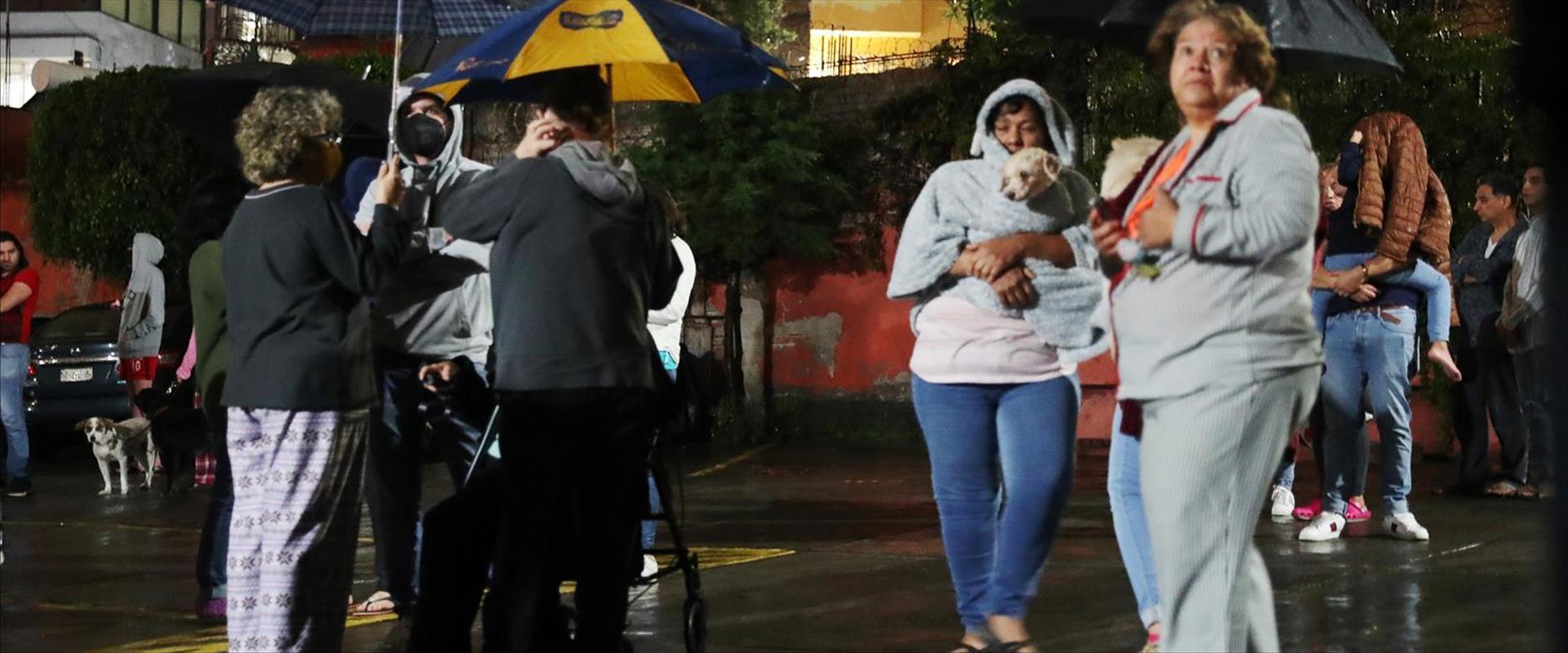 אזרחים ברחובות מקסיקו סיטי, היום