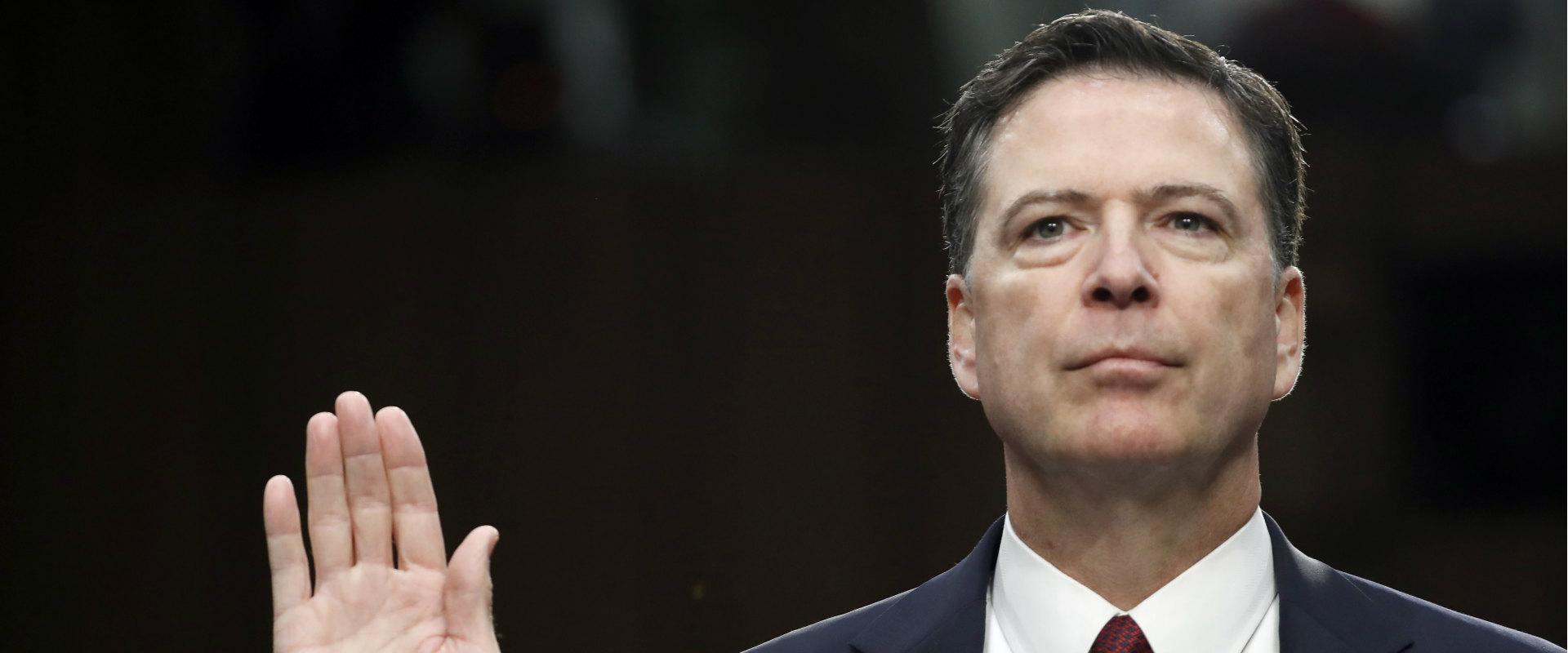 ראש ה-FBI לשעבר, ג'יימס קומי, בשימוע בסנאט, יוני 2