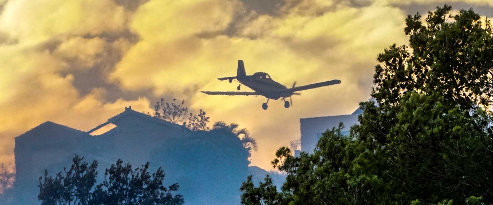 מטוס מכבה שריפה בזכרון יעקב