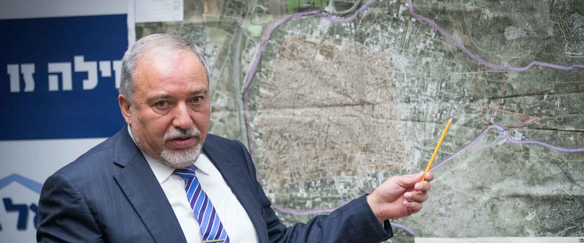שר הביטחון, אביגדור ליברמן, בישיבת סיעה ביום שני ה