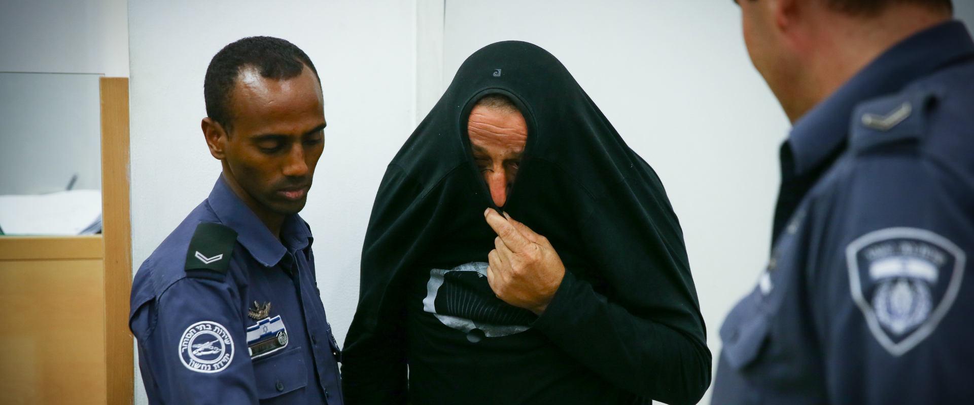 האב, סמי קרא, הנאשם ברצח בתו הנרייטה, בדיון בבית ה