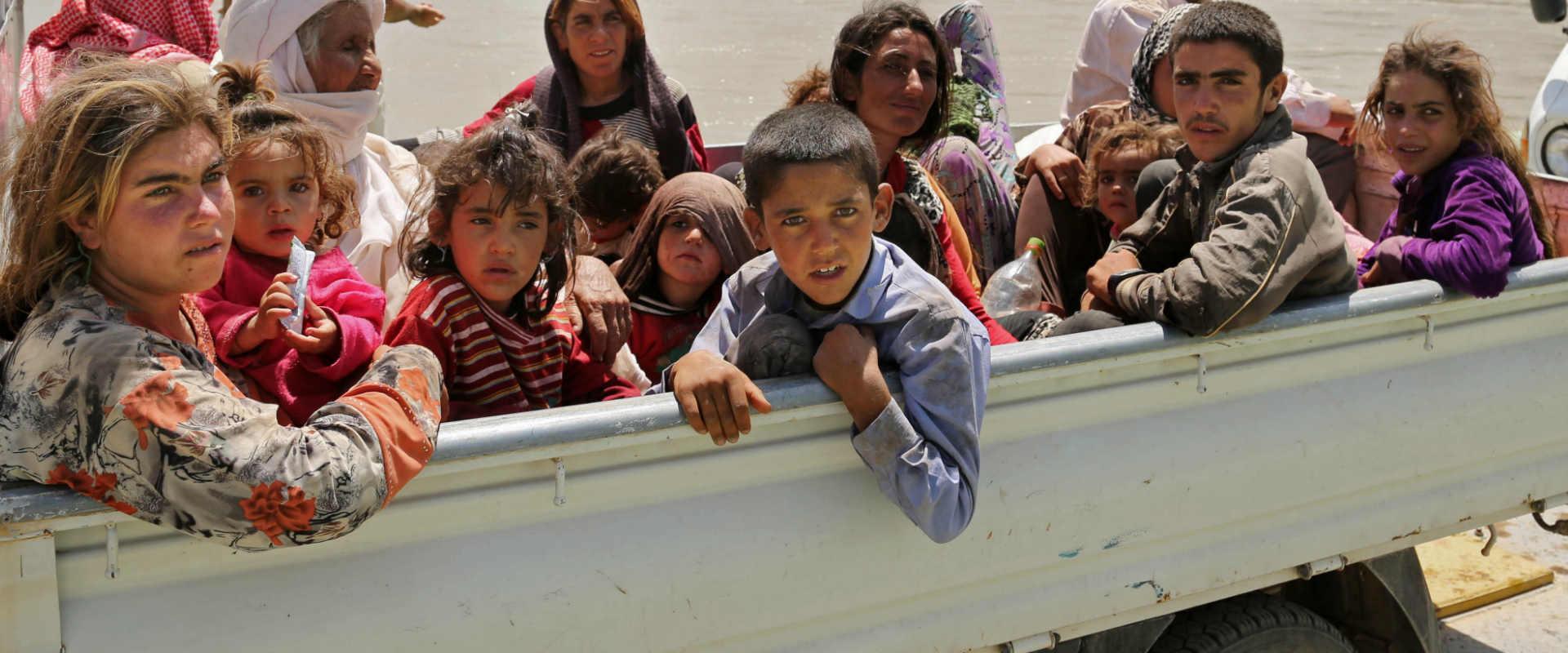 פליטים יזידים נמלטים מדאעש