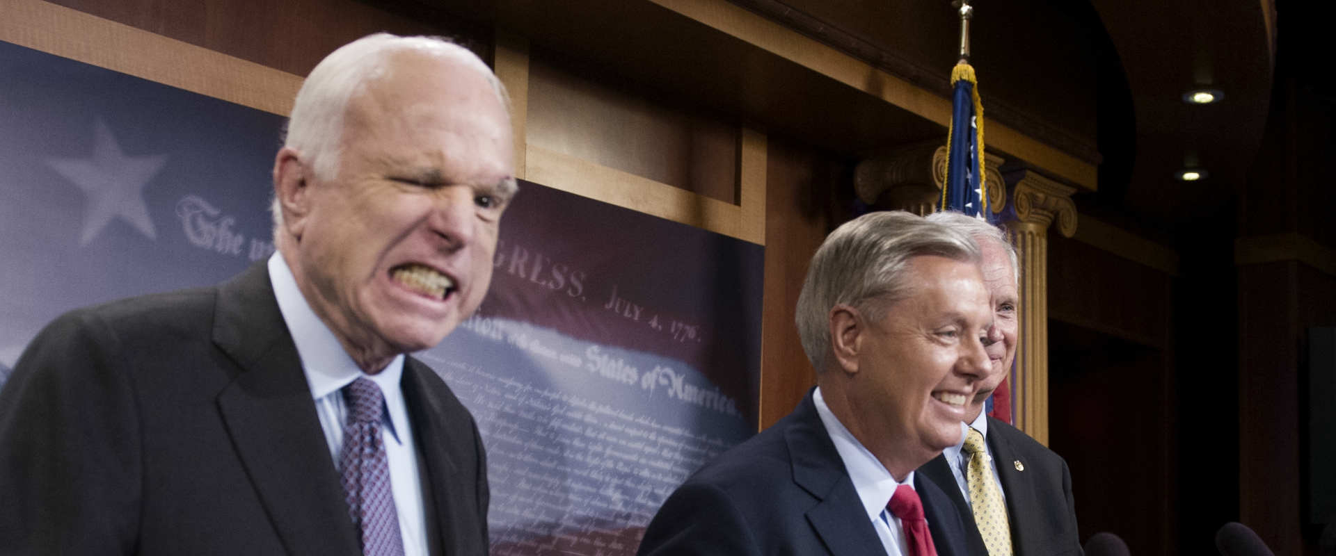 הסנאטור ג'ון מק'קיין הכשיל את הרפובליקנים