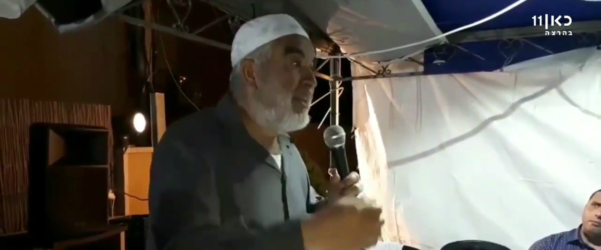 ראאד סלאח בסוכת האבלים ביפו