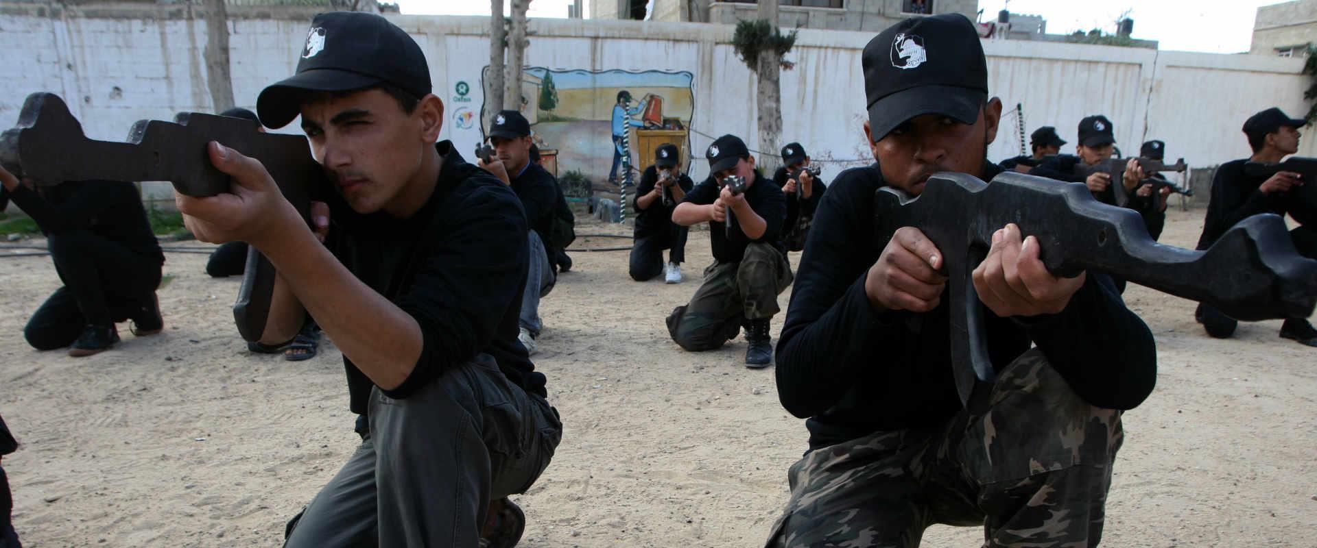 אימון של מנגנוני הביטחון הפלסטיניים