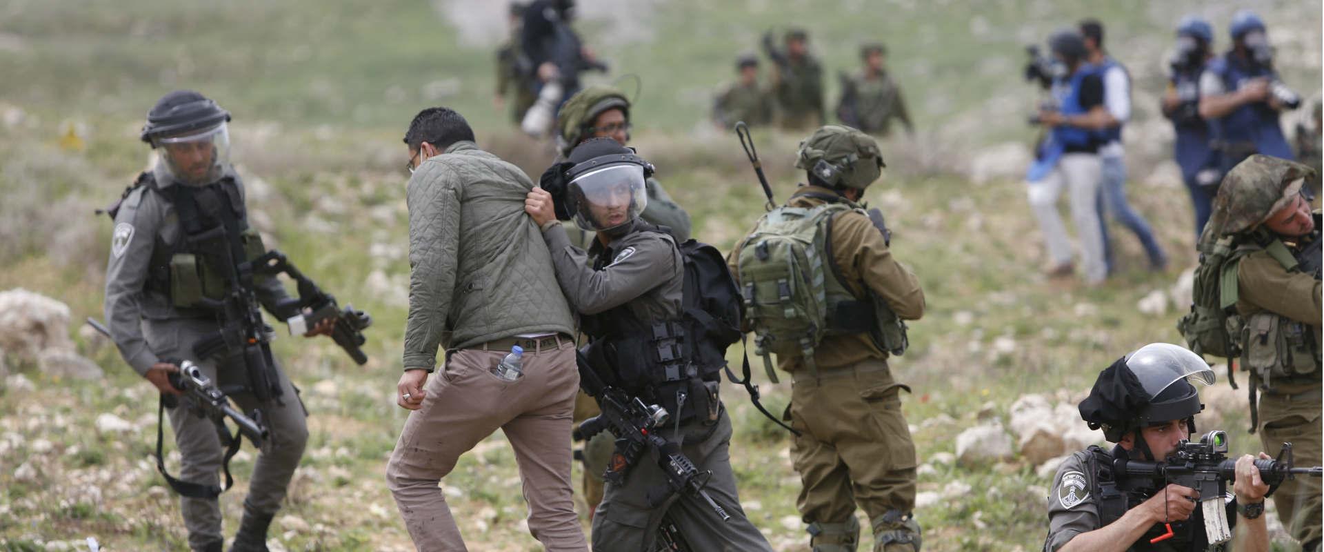 """חיילי צה""""ל ושוטרי מג""""ב בגדה"""
