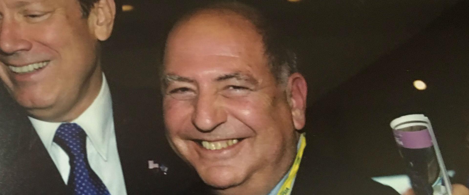 יועץ התקשורת ארתור פינקלשטיין