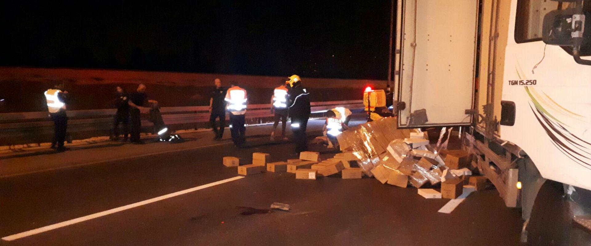 זירת התאונה בכביש 4