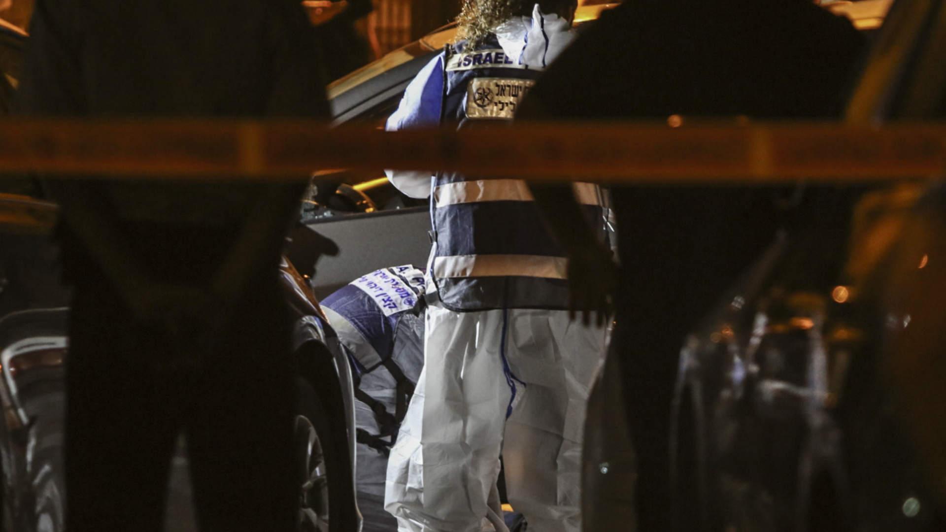 שוטרים בזירת רצח