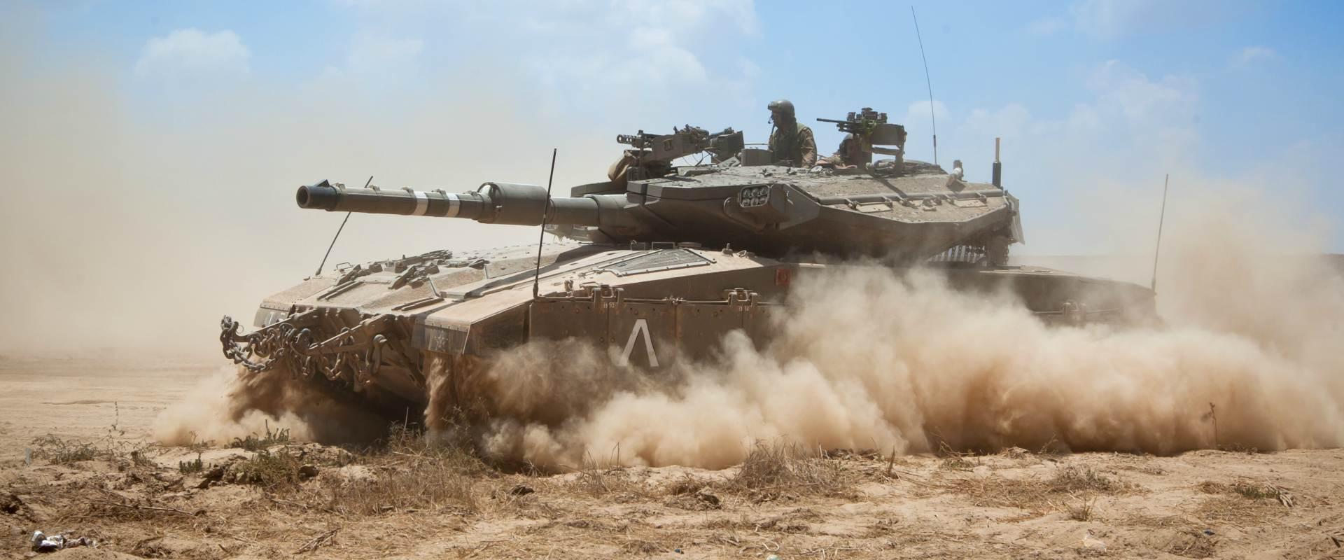 טנק מרכבה ליד רצועת עזה