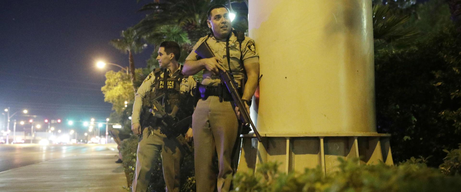 שוטרים בזירת האירוע