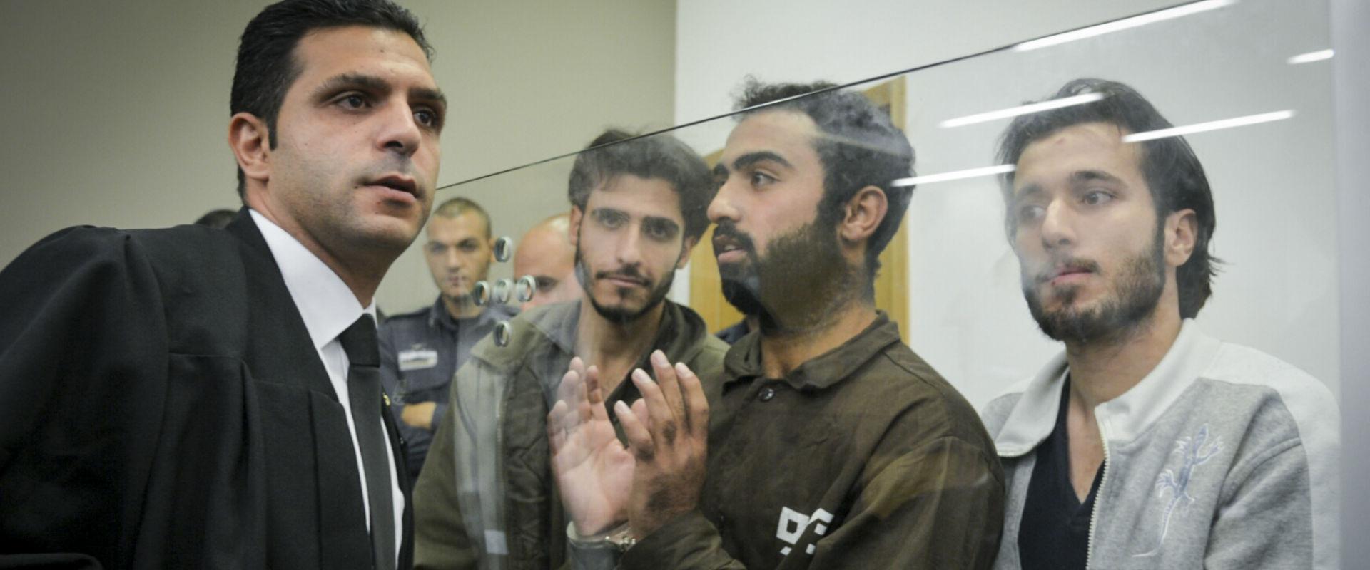 מימין: שלושת המחבלים המורשעים בבית המשפט, בשנה שעב
