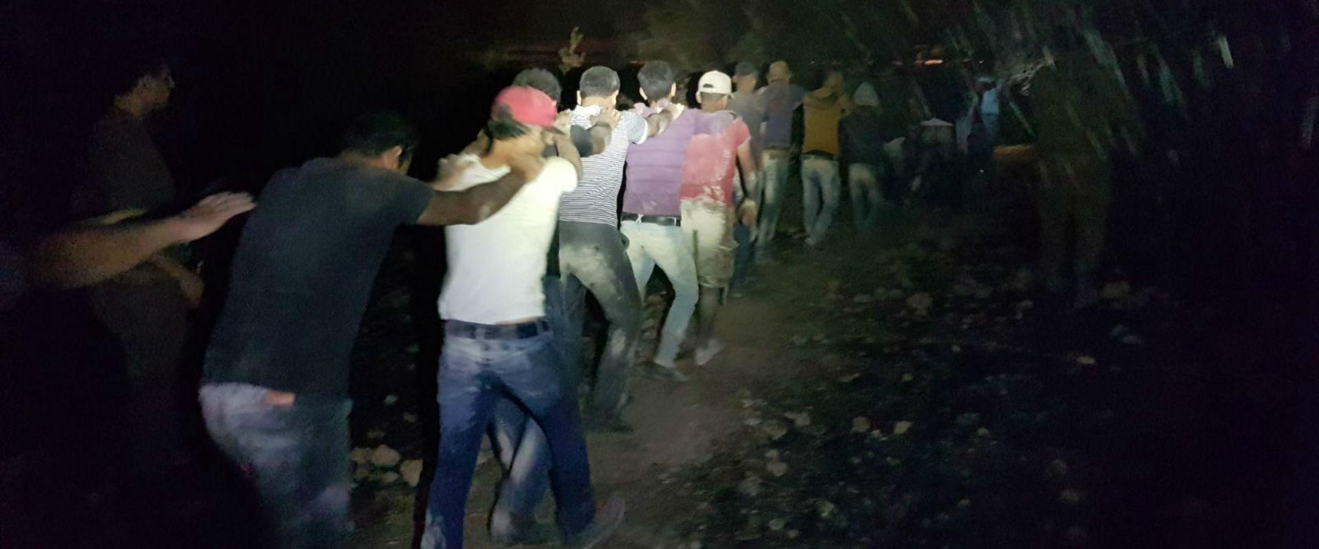 כמה מהפלסטינים שנתפסו בשקף